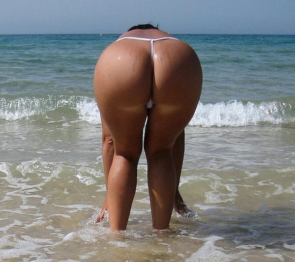 Sandy booty amateur