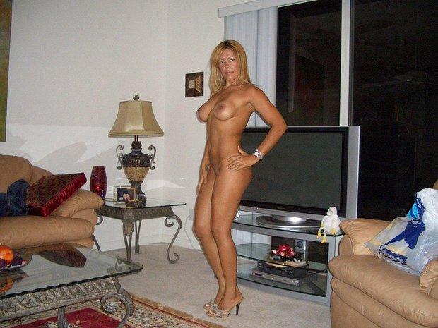 ; Amateur Big Tits Blonde Brunette