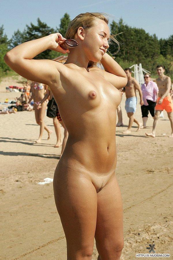 sexy yellowbone babes naked