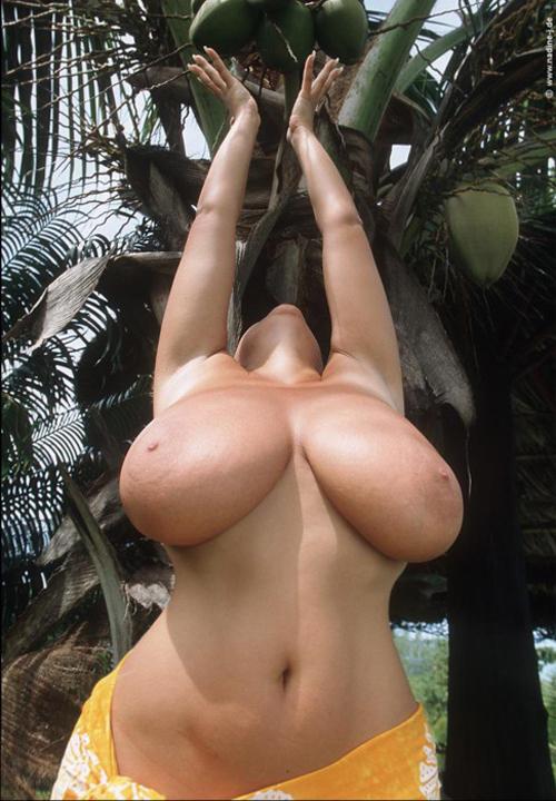 Фото супер огромные сиськи