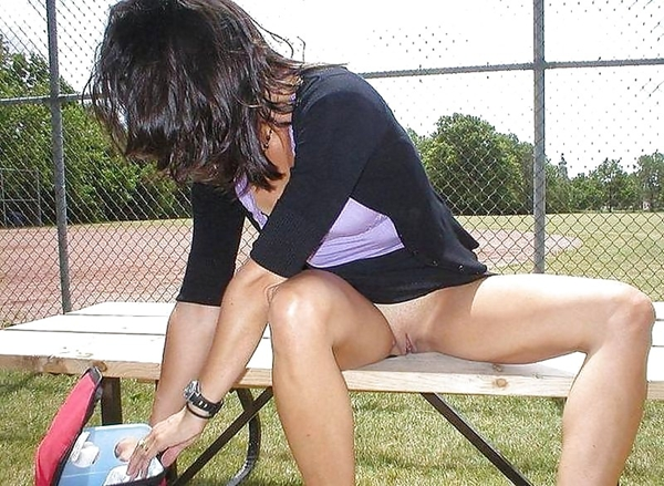 Windy Upskirt Hot Milf Upskirt; Amateur Public