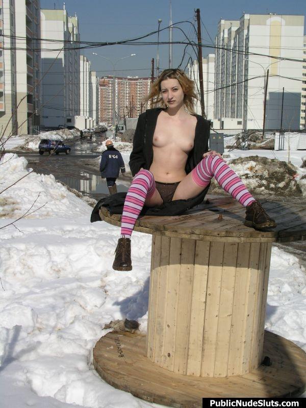 Public Nude- Naughty Outdoor Girls; Amateur Public