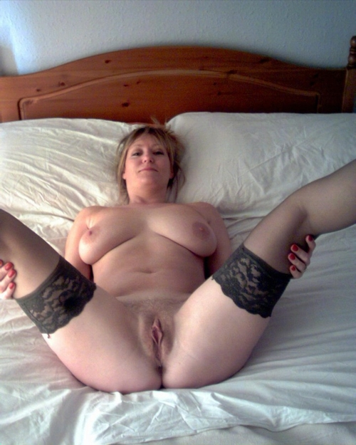 Inter-American nude hairy and shaven mature pussy name