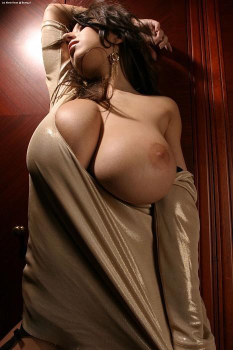 огромные красивые женские сиськи