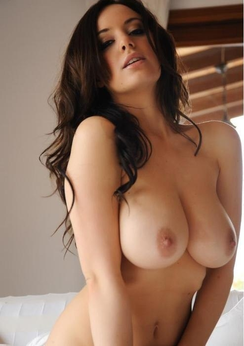 CHICKS YOU WANT; Big Tits Brunette