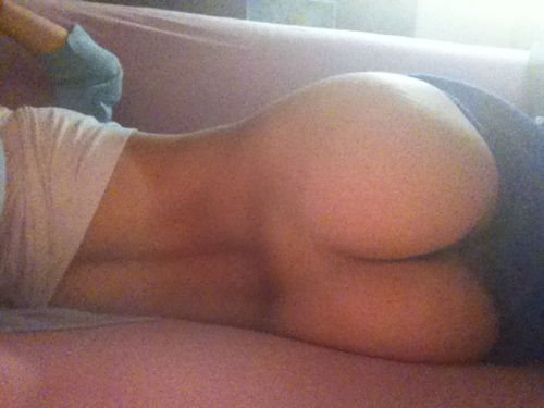 myideaofgorgeous: petyagencheva: Bad quality...; Amateur Ass